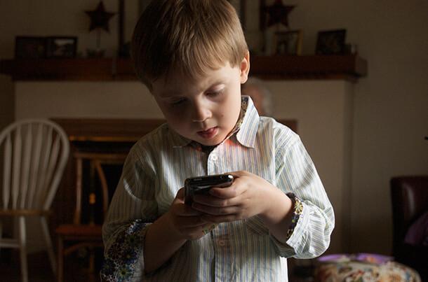 便利!iPhoneアプリでアドセンスの収益を確認するならQuickAdsenseが最適。